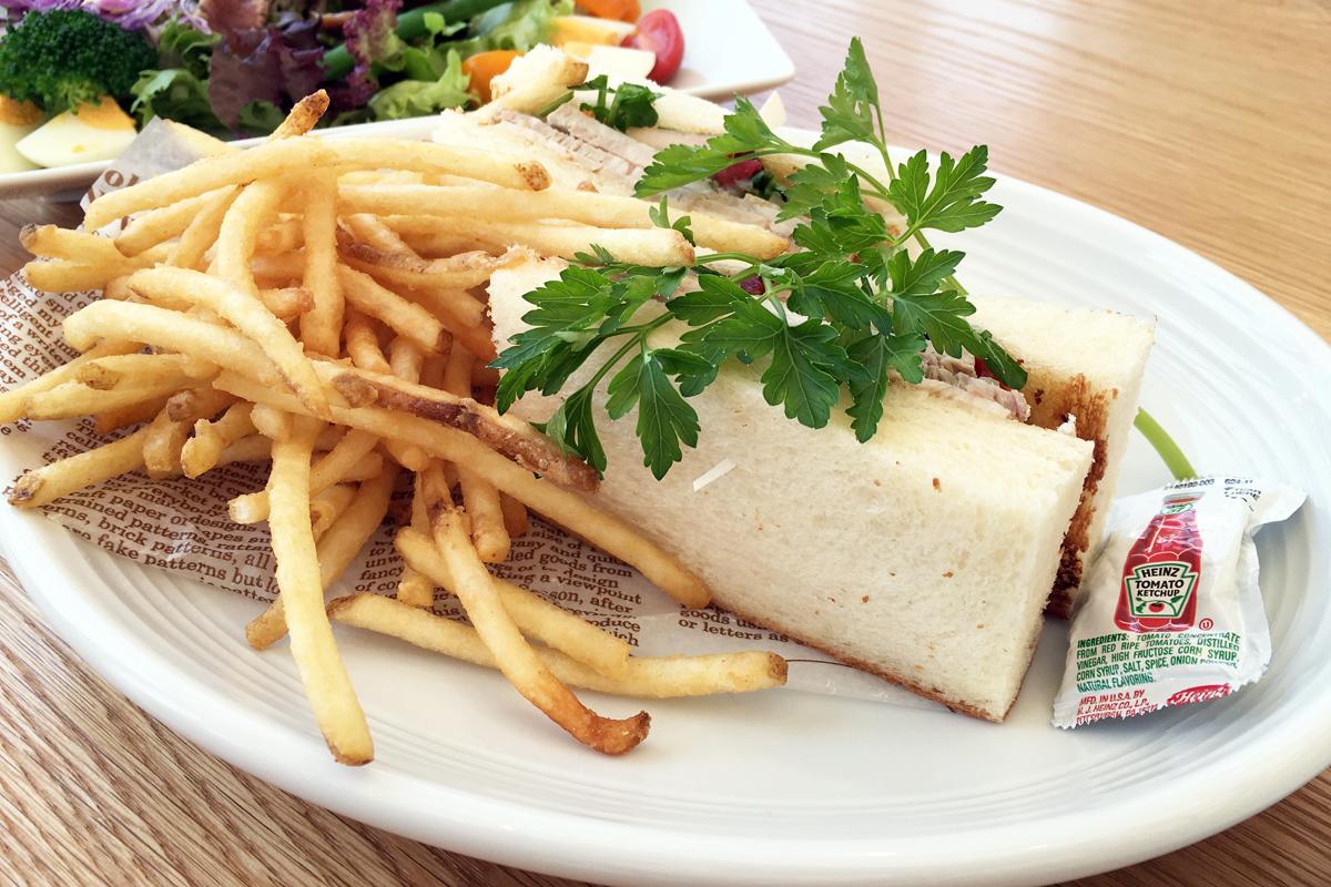 ローストポークとドライトマトのサンドイッチ